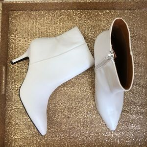 NWOT Charlotte Russe White Ankle Booties Size 8